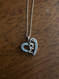 10k gold necklace with mom pendant with diamonds