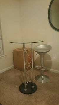 Pub table & 2 adjustable chairs Silver Spring