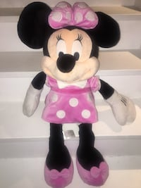 """Big Minnie Mouse plush toy 2'6"""" Vaughan"""