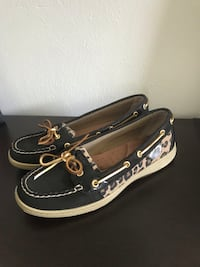 NEW sperry cheetah boat shoe (size 9)