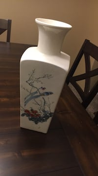 White and blue floral ceramic vase Palmdale, 93551