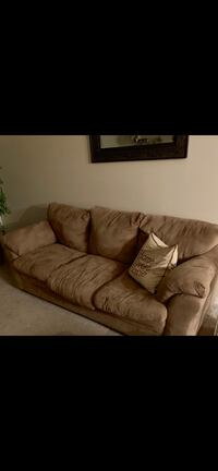 Couch Leesburg, 34748