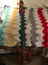 Used Peavey Cirrus BXP 4-string bass North Vancouver, V7L 1Y7