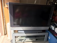 Sony big screen TV with 5 disc dvd changer and stand. Albuquerque, 87106