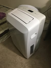 8000BTU White and gray portable air conditioner London, N6H 4M5