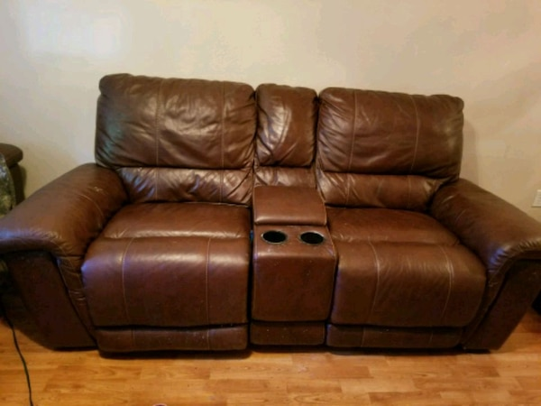Enjoyable Used Hudsons Italian Leather Sofa And Loveseat For Sale In Ibusinesslaw Wood Chair Design Ideas Ibusinesslaworg
