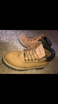 pair of brown Timberland work boots Portland, 97221