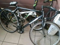 black and white Trek road bike Bakersfield, 93307