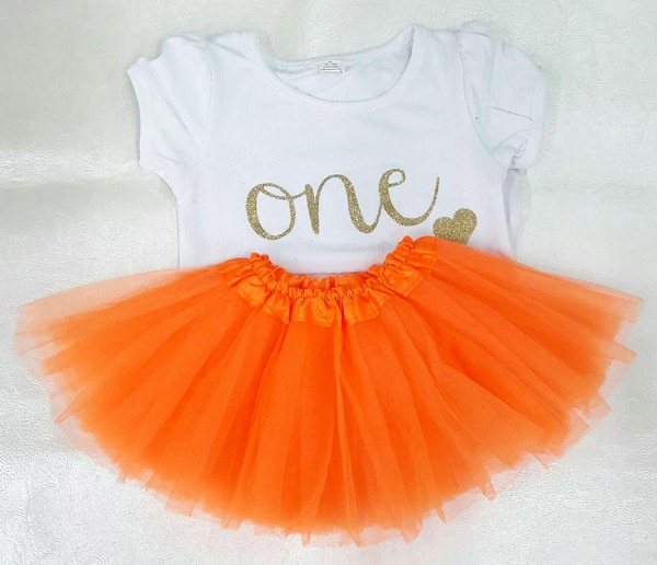 Used BRAND NEW 1 Year Old Birthday Outfit For Sale In Houston