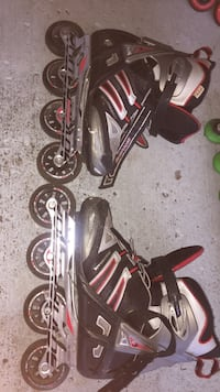 Roller blades good condition need to fix one baring Ottawa, K4A
