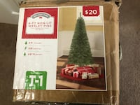 Christmas Tree with Lights and Ornaments High Point, 27265