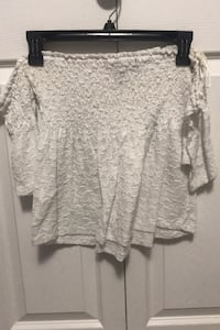 Off the shoulder white lace shirt Surrey, V3S 0Z1