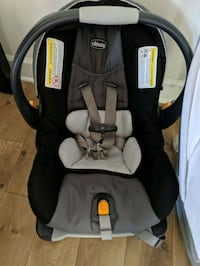 Chicco Carseat with stand