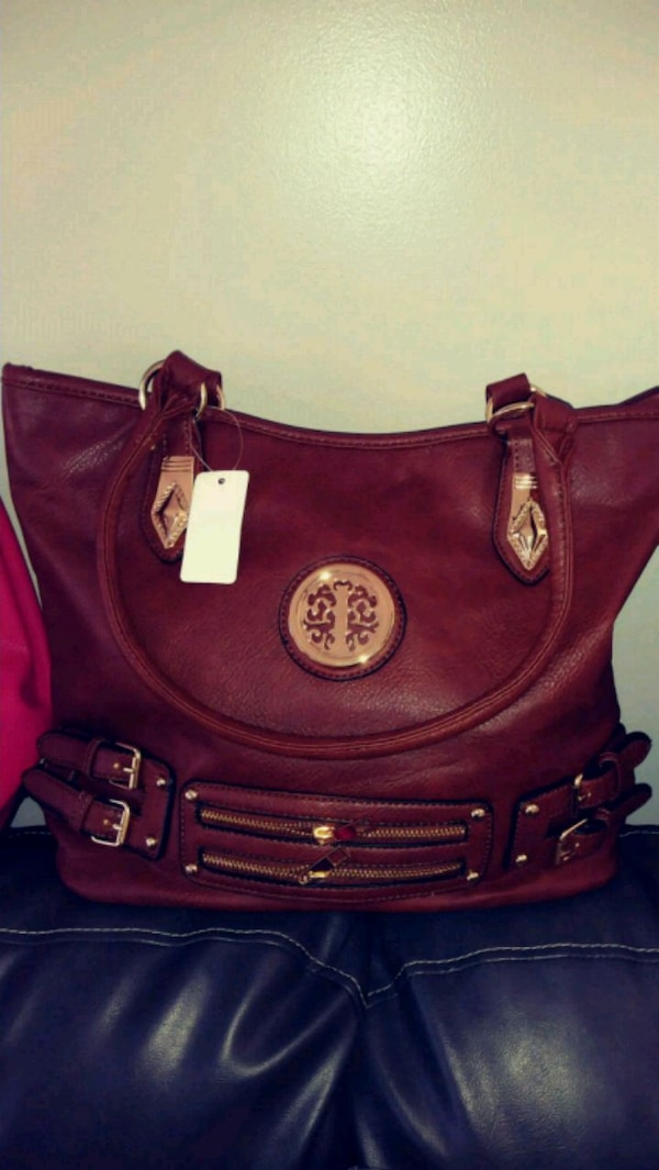 ebfc2151fc49 Used women s purse for sale in New York - letgo