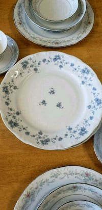 white and blue floral ceramic plate Calhoun, 30701
