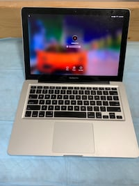 "2010 Apple MacBook Pro ""Core 2 Duo"" 2.40 13"" 320GB HDD 4GB Ram -$380