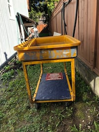 Canada post rolling cart . Make me an offer. North Vancouver, V7J 1A5