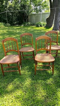 Antique Cane Seat Chairs Orland Park, 60462
