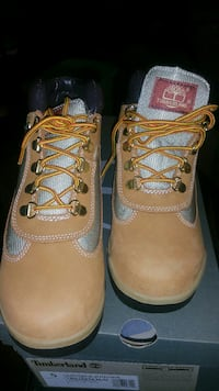 pair of brown Timberland leather work boots Washington, 20018