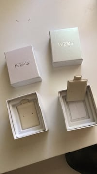 Pagoda Earring Boxes Pacifica, 94044