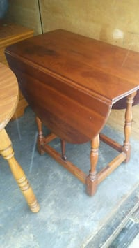 Stickly Drop Leaf Table with dove tail drawer 28.5 Lisle, 13797