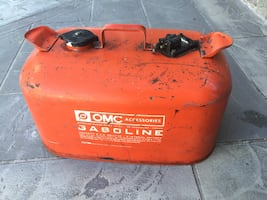 Outboard gas container