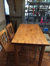 Wood block table with 2matching chairs  Gainesville, 30507