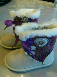 toddler's white-and-purple fur boots Dollard-des-Ormeaux