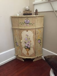 white and pink floral wooden cabinet Metairie, 70005