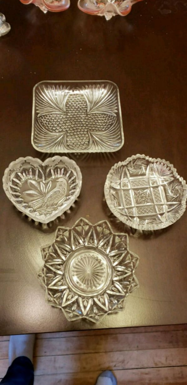 Crystal candy dishes c8e9257f-0f2c-4d38-a578-967f9755b783