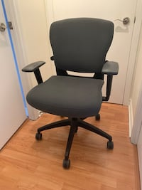 Teknion Office Chair Toronto, M5J 2Y5