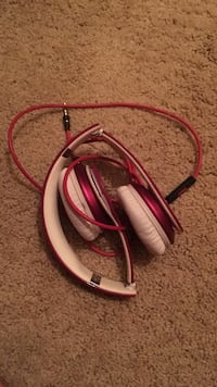 Pink and white corded beats Madison, 35758