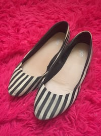 white-and-black striped flat shoes St Albert, T8N 3M6