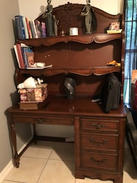 Brown wooden single pedestal desk Washington, 20024