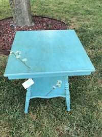 Vintage Side/Entry Table High Point