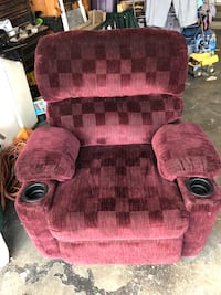 Burgundy recliner with cup holders Fresno, 93710