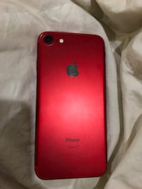 Iphone 7 (product red)  Langley, V3A 3W7