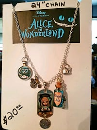 Alice & wonderland necklace  Granite City, 62040