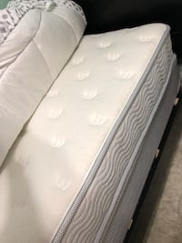 white twin mattress and box frame  Hamilton, L8M 3J3
