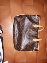 Borsa in pelle nera e marrone