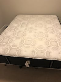 white and gray floral mattress Arlington, 22202