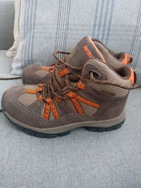 Insulated winter/hiking boots