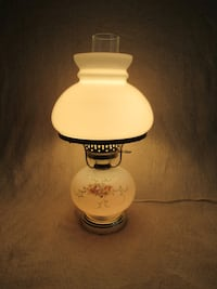 """Vintage electric hurricane lamp with 3 way switch (14""""tall) Burlington"""