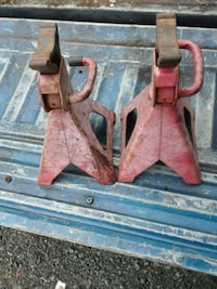 Jack stands $10 Triangle, 22172