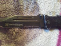 black and gray smith&wesson knife Pueblo, 81005