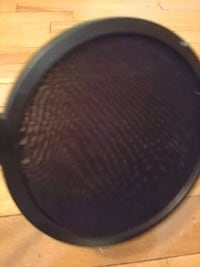 round black and gray speaker Montréal, H8Y 2A4
