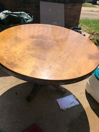 Solid wood round dining table and 4 chairs. Stafford, 22554