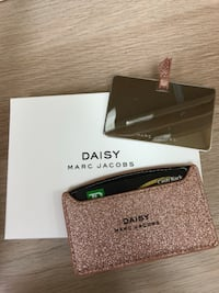 marc jacobs card holder with mirro Vancouver, V5K 1Z5
