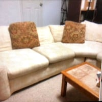 Baige fabric sectional sofa with throw pillows Manassas, 20109