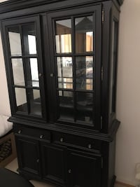 China cabinet!  Good condition. Lorton